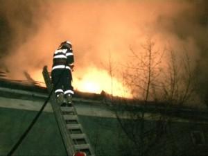 incendiu acoperis 001