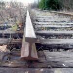 Polițiștii din Sebeș au întocmit dosare penale pentru trei persoane, acuzate de furt al traverselor de cale ferată