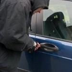 Minor surprins la Sebeș în timp ce fura dintr-o mașina chiar de catre proprietarul acesteia