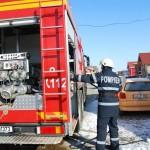 Pagube de 20.000 de lei după ce un autoturism a luat foc în garajul unei societăţi comerciale din Sebeș