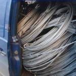 Bărbaţi din Sebeş surprinși în flagrant în timp ce sustrăgeu cabluri de aluminiu de la o societate comercială