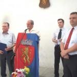 """Comunitatea săsească din Sebeş i-a acordat """"Insigna onorifică de aur"""" fostului primar Mugurel Sârbu"""