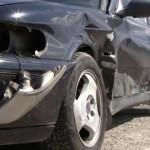 Un șofer din Bacău aflat în stare de ebrietate a ajuns cu mașina lângă drum la Sebeș unde a avariat un alt autoturism