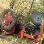 Un bărbat de 33 de ani a murit strivit de un tractor la Acmariu