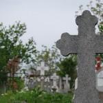 Un pensionar din Sebeş se consideră jecmănit de administratorii cimitirului din Sebeș