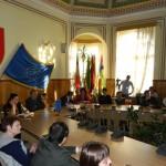 """Cadrele didactice de la Colegiul Național """"Lucian Blaga"""" au de încasat de la Primăria Sebeș peste 6.500 de lei pentru decontarea navetei"""