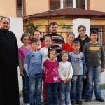 """Oameni inimoși au făcut ca beneficiarii Aşezământului social """"Sfântul Gheorghe"""" din Sebeş să aibă parte de sărbători mai fericite"""