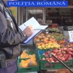 Peste 100 Kg de fructe, comercializate ilegal, confiscate de poliţişti în urma unui control efectuat în Piața din Sebeș