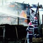 Un bărbat din Arți a incendiat două locuințe și mai apoi și-a pus capăt zilelor