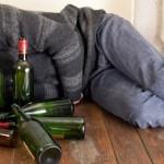 Un tânăr din Sebeș s-a ales cu dosar penal după ce a furat și a băut 10 litri de rachiu dintr-o pivniță din Petrești