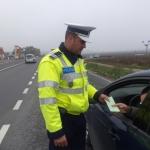 Bărbat din Apoldu de Sus depistat de polițiști conducând un autoturism radiat din circulaţie pe DN1, lângă Lancrăm