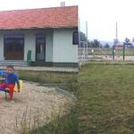 Baza sportivă din Draşov, comuna Şpring a fost inaugurată. Teren de fotbal şi parc de joacă pentru copii