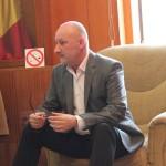 Prefectul de Alba Gheorghe Feneșer a încercat să interzică accesul presei la întâlnirea între autorități, Kronospan Sebeș si societatea civilă