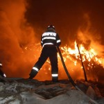 Intervenție a pompierilor din Sebeș pentru stingerea unui incendiu izbucnit la Petrești, din cauza unui coș de fum