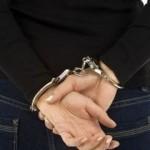 Dosar penal pentru o femeie de 57 de ani din Sebeș, după ce a sustras un portmoneu cu acte și bani dintr-un imobil situat pe raza municipiului