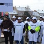 Reprezentanții angajaților de la Kronospan au manifestat astăzi la Sebeș