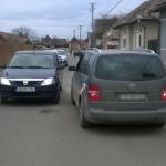 Ulterior modernizării străzii Simion Bărnuţiu din Petreşti, dilemă nerezolvată – cum pot trece două maşini mari una pe lângă cealaltă?