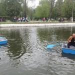 Începând de mâine locuitorii Sebeșului se vor putea plimba cu barca pe lacul din centrul municipiului