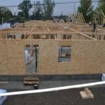 Case pentru familiile defavorizate construite de Kronospan și Habitat for Humanity România, în cadrul proiectului Big Build