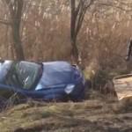 O șoferiță din Sebeș a ajuns cu mașina în șanț pe DN1, după ce a derapat într-o curbă
