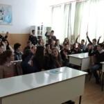 Activitate informativ preventivă a jandarmilor adresată elevilor de la Școala Gimnazială din Daia Română