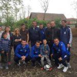 De Paște, fotbaliștii de la Șurianu Sebeș au donat câte două prime de joc celor 4 frați din Fărău, rămași orfani de ambii părinți