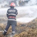 2000 de baloți de paie mistuiți de flăcări la Daia Română