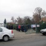 """Peste 150 de pomi de Crăciun au fost confiscaţi în urma unui control efectuat de polițiști în Piaţa """"Dacia"""" din Sebeș"""