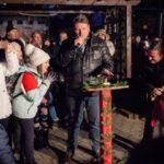 Circa 400 de persoane au luat parte, ieri seară, la deschiderea oficială a Targului de Crăciun din municipiul Sebeș