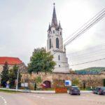 """""""Turnul Slăninilor"""", locul în care oamenii din Gârbova de Sebeș își păstrează preparatele tradiționale din porc"""