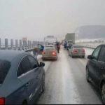 Circulația se desfășoară cu dificultate pe Autostrada A1 Sibiu – Orăștie, din cauza viscolului