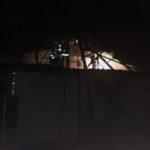 Intervenție a pompierilor din Sebeș pentru stingerea unui incendiu izbucnit la acoperișul unui atelier auto din Lancrăm