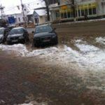 După ce ai parcat mașina în Sebeș cobori în zăpadă până la glezne!