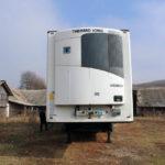 Semiremorcă dotată cu sistem frigorific, căutată de autoritățile austriece pentru a fi confiscată, găsită de polițiști în zona fostelor grajduri I.A.S. din Petrești