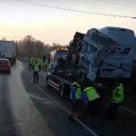 Imagini surprinse de un participant la trafic cu mașina distrusă, în care tânărul de 22 de ani din Sebeș şi-a pierdut viaţa, în tragicul accident rutier din Franța