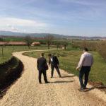 """Au început lucrările de modernizare a drumului de acces care leagă Municipiul Sebeș de Rezervația Naturală """"Râpa Roșie"""""""