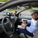 Dosar penal pentru un tânăr de 22 de ani din Ighiu, după ce a fost depistat de polițiști conducând fără permis pe raza municipiului Sebeș
