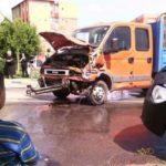 Coliziune între două autovehicule, petrecută într-o intersecție din cartierul Mihail Kogalniceanu din Sebeș, cauzată de neacordarea de prioritate