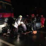 Intervenție a Gărzii de pompieri Sebeș, pentru descarcerarea unei persoane rănite în urma unui accident rutier petrecut între un autoturism și un TIR, pe Autostrada A1