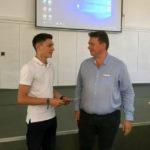 Paul Liviu Filip, elevul de nota 10 din Sebeș, a fost premiat de consilierii locali cu suma de 3.000 de lei pentru rezultatul obținut la examenul de Bacalaureat