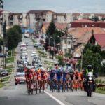 Peste 100 de cicliști, participanți la cea de-a III-a etapă din TURUL SIBIULUI 2017, au tranzitat orașul Sebeș și localitățile din zonă