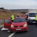 Un bărbat a decedat după ce a suferit un infarct la volan și a intrat în coliziune cu o autoutilitară, pe Autostrada A1 în zona Apoldu