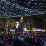 Peste 1200 de persoane au participat ieri, 6 decembrie 2017, la aprinderea iluminatului de sărbători în Municipiul Sebeș