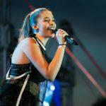 """Sebeșanca Denisa Moga debutează în industria muzicală cu piesa """"Singuri"""", melodie cu un puternic mesaj emoțional inspirat din viața artistei"""