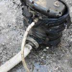 Doi bărbaţi din Dâmboviţa sunt cercetaţi de polițiștii din Sebeș pentru comiterea mai multor furturi de combustibil din rezervoarele unor camioane aflate în parcări ale Autostrăzii A 1