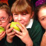 Camera Deputaților a votat ca elevii să primească fructe proaspete la școală