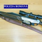 Doi bărbaţi bănuiţi de braconaj cinegetic, reținuți de polițiștii din Sebeș după ce au fost surprinși în flagrant delict pe fondul de vânătoare 43 Dobra