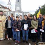 Corul Școlii Gimnaziale Gîrbova prezent la festivitățile de comemorare a eroilor neamului organizate la cimitirul ortodox din localitate