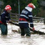 În urma ploii torențiale de ieri, torenții au distrus gardul, au inundat curtea și au avariat o anexă aparținând unui imobil din Șugag