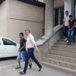 Cei trei tineri care au violat și tâlhărit o minoră, pe o pășune de lângă Daia Română, au fost arestați preventiv pentru 30 de zile